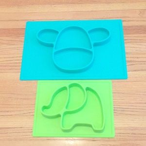 Set of two NUbY kids servings plates